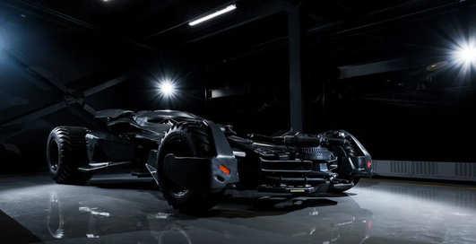 Продам бэтмобиль: в США выставили на торги автомобиль из блокбастера