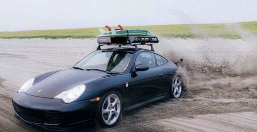 Дом на колесах: Porsche 911, переделанный в туристический автомобиль