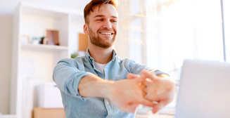 5 эффективных упражнений для тех, кто много сидит в офисном кресле