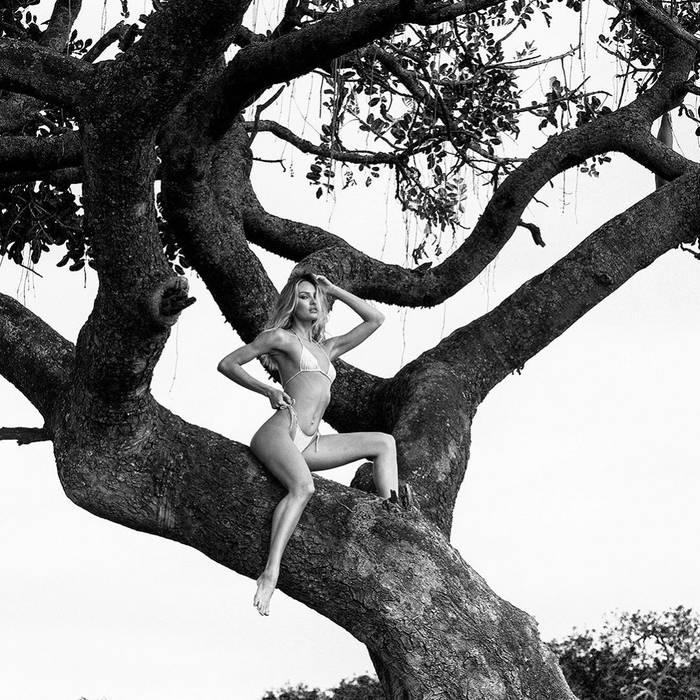 Пикантные фото сняты в Африке