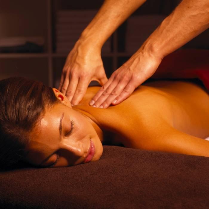 Соблазняющий массаж может стать хорошей альтернативой прелюдии перед сексом