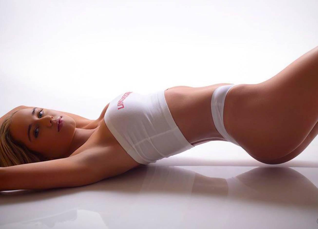 Красотка дня: «верующая» фитнес-модель Деррион Келлер