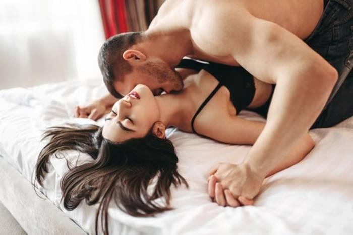 Не спеши заполнять пустоту случайным сексом: это не поможет, а то и навредит