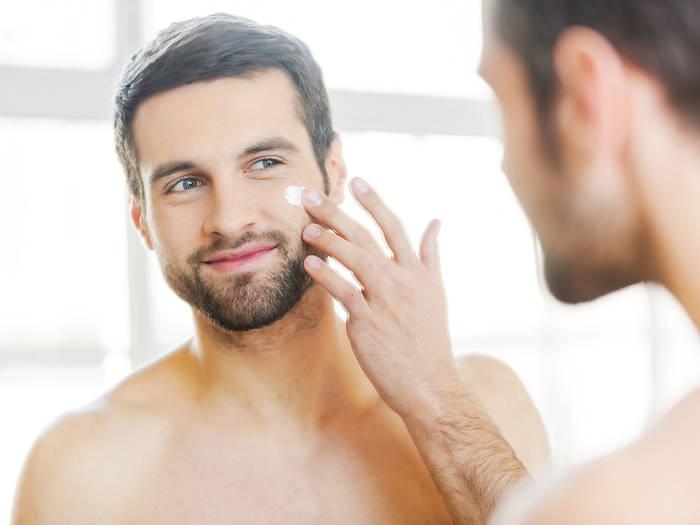 Уход за кожей лица - не только умывания, но и специальная косметика