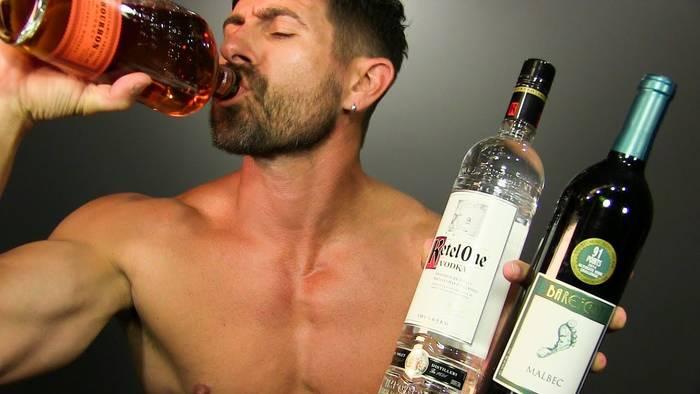Чувствуешь зависимость от алкоголя — срочно к врачу!