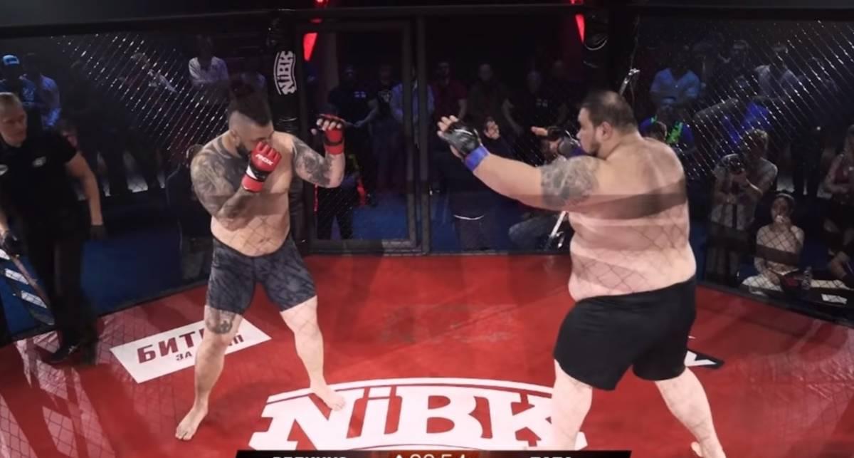 Папа может: боец ММА весом 212 кг победил в своем первом бою за 20 секунд