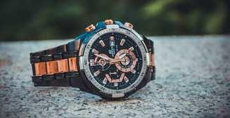 Часы с металлическим браслетом: 7 моделей класса люкс