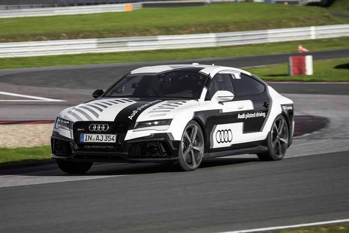 Беспилотный Audi RS7. Обычную трассу проходит на секунду медленнее топ-гонщика