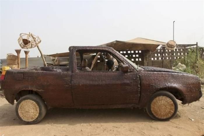 Автомобиль из тростника