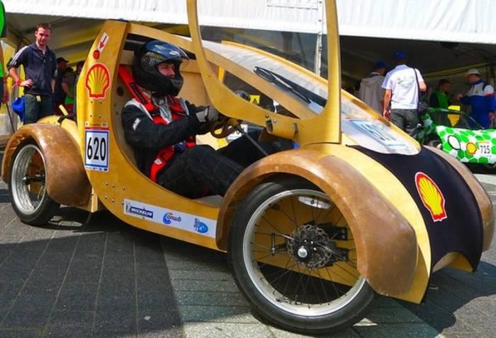 Автомобиль из картона