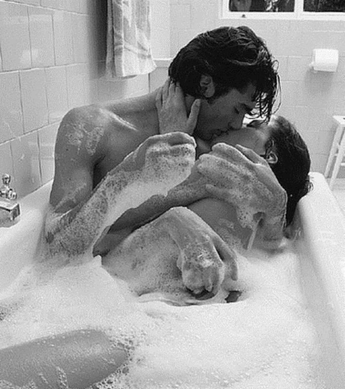 Секс, начавшийся на кухне, вполне может окончиться в ванной
