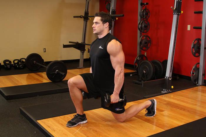 Выпады - отличный способ жиросжигательных тренировок
