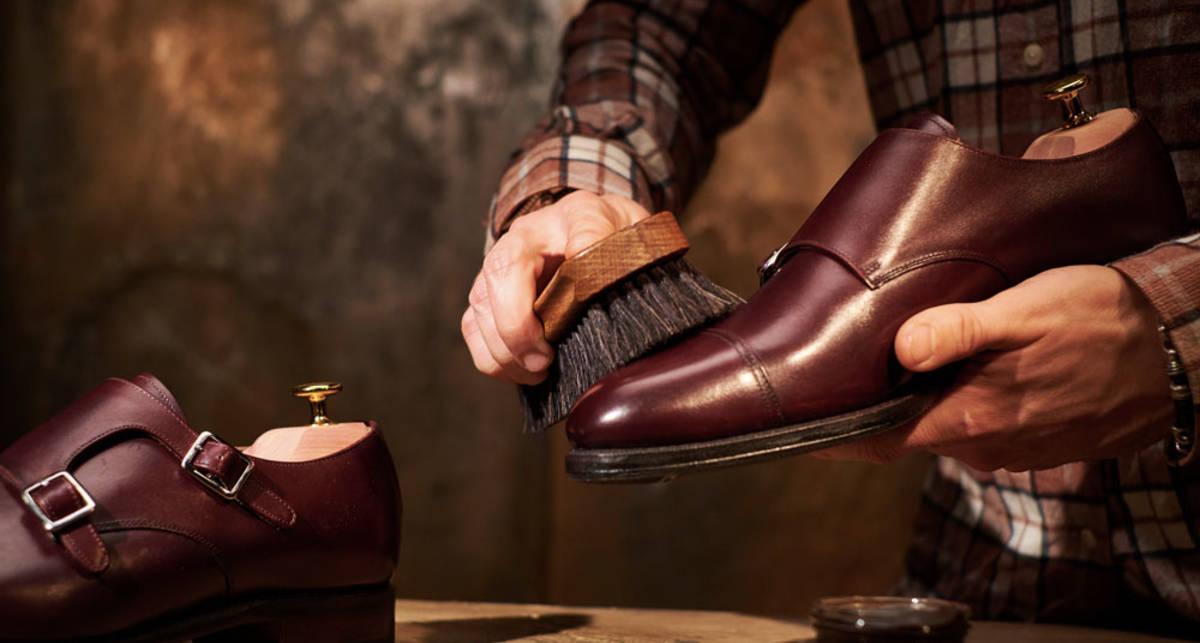 Щетки, губки и кремы: как ухаживать за обувью?