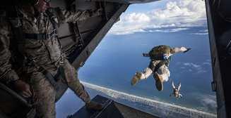 Шаг в небо: как подготовиться к прыжку с парашютом