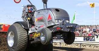 Трактор, грузовик и Ко: 5 самых отбитых гонок