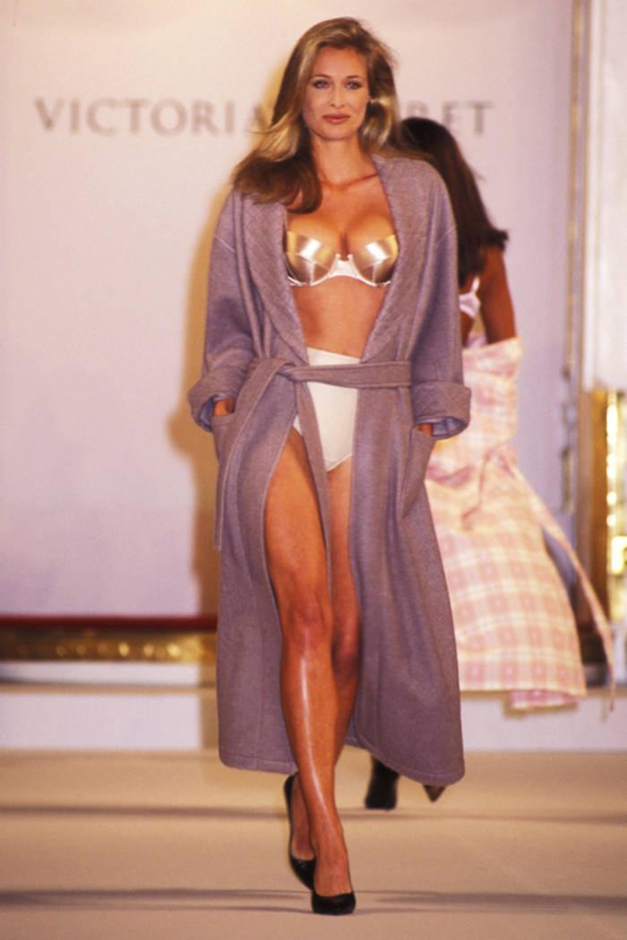 Ингрид Сейнхейв открывала легендарное шоу в 1995