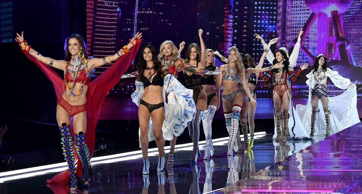Как начинались показы Victoria's Secret и почему мы скучаем по этому шоу, когда его отменили