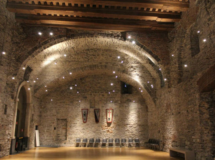 Внутри замка Гравенстен ощущается вся историческая ценность крепости