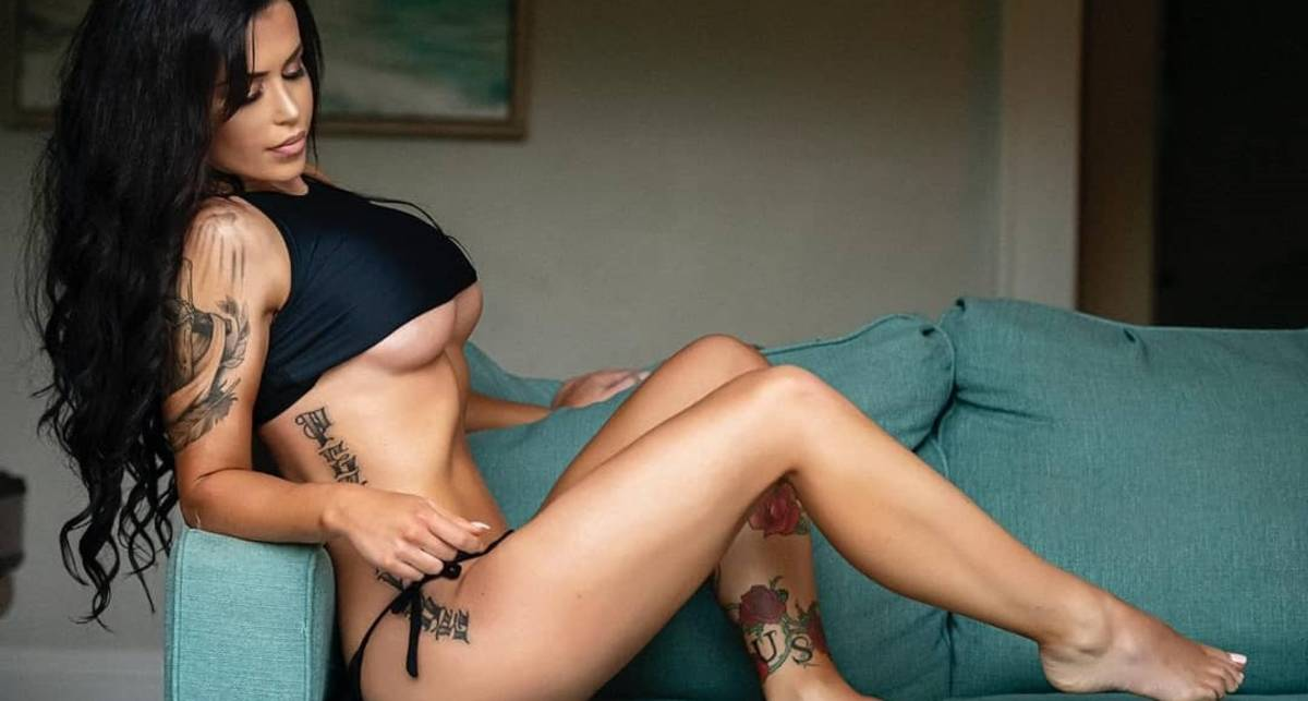 Красотка дня: ринг-герл и бикини-модель Лора Авансити