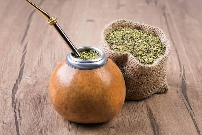 Чай мате - не совсем чай, но поскольку его нужно заваривать - относится к чайным напиткам