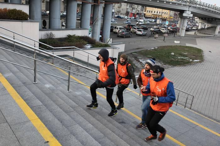 «Измени себя вместе с НЛО TV и сохрани свой город» — пешеходный квест по Подолу в Киеве