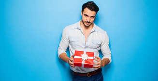 Как красиво упаковать подарок: 3 креативных способа
