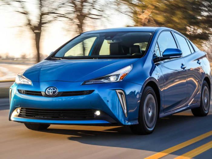 """Toyota Prius. """"Уродливая"""" и тотчас самая продаваемая машина"""