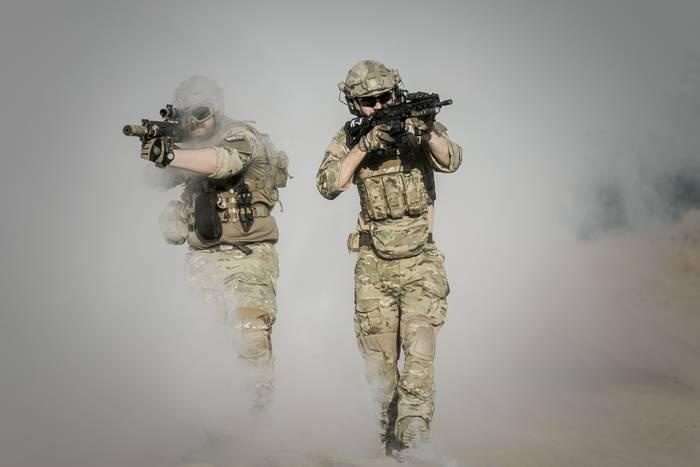 Армия по контракту - работа, где нужны герои
