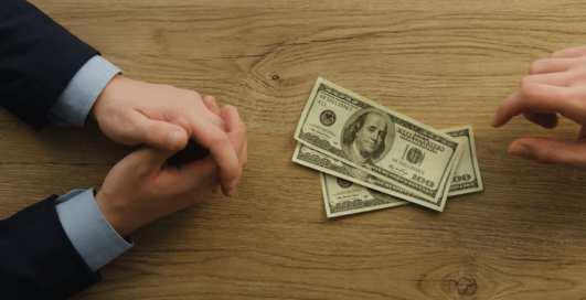 Как давать деньги в долг: 6 «золотых» правил