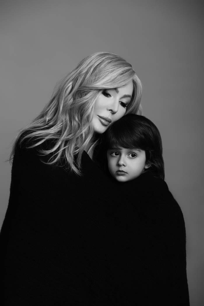 Ирина Билык и ее сын Табриз