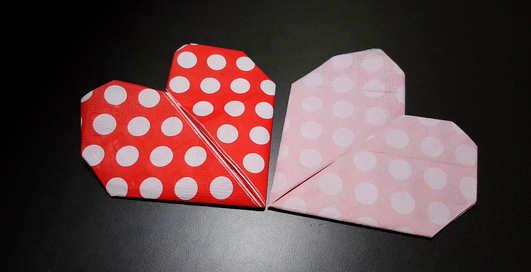Самый «мужской» лайфхак на Новый год 2020: как сложить салфетку в форме сердца