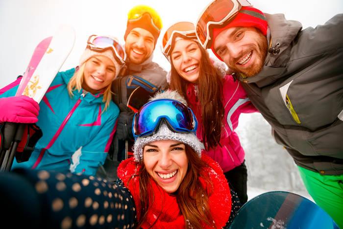 А ты уже решил, с кем поедешь отдыхать на Новый год в украинские Карпаты?