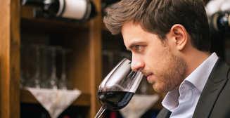 Сомелье и гурман: с какими продуктами сочетать вино?