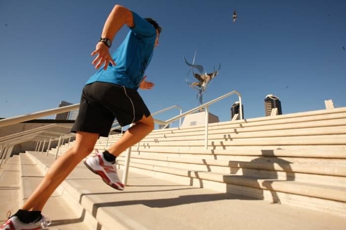 Бег по лестнице полезен не только спортсменам