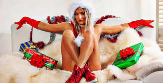 Красотка дня: бесстыжая блондинка и бикини-модель Ками Джеймс