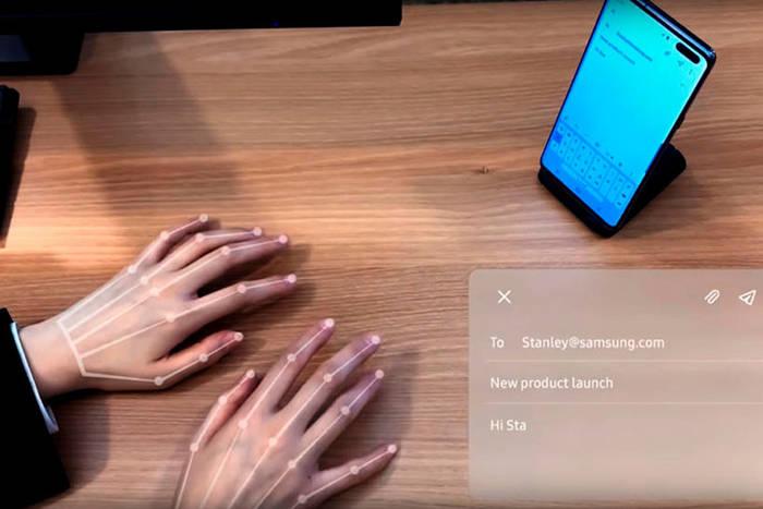 Виртуальная клавиатура SelfieType. Работает с помощью селфи-камеры