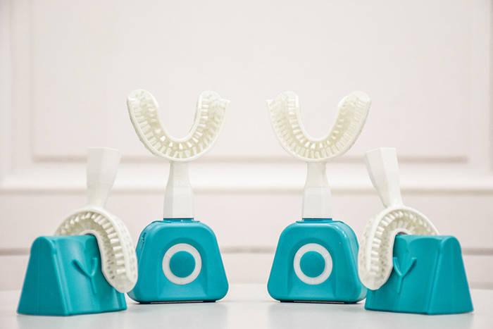 Зубная щетка-каппа. Почистит зубы всего за 10 секунд