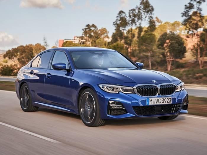 BMW 3 Series не только спасет жизнь, но и поможет выехать из парковки