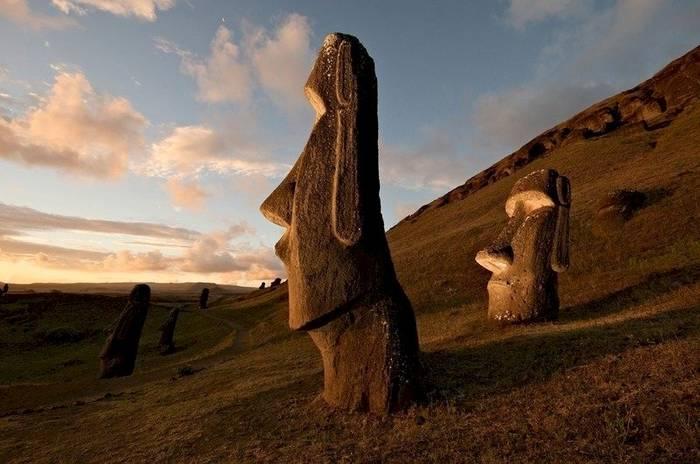 Монументы Моаи, остров Пасхи. Как их создали - неясно
