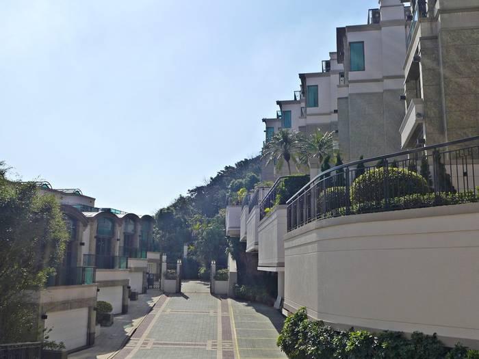 Маунт Келлетт Роуд, Гонконг