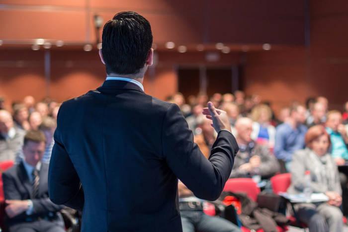 Ораторские навыки помогут не только в публичных выступлениях, но и в жизни