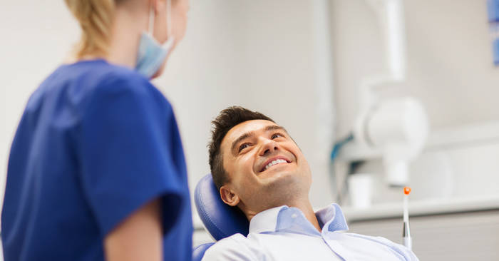 Хочешь красивую и белоснежную улыбку — регулярно ходи к стоматологу