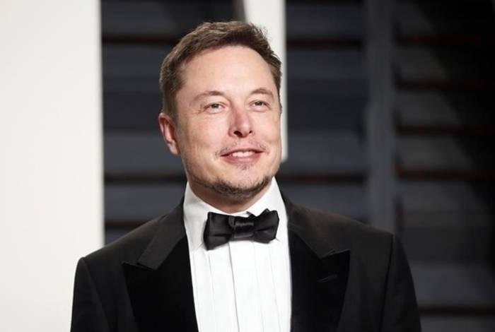 Илон Маск. Возрождал компанию несколько раз