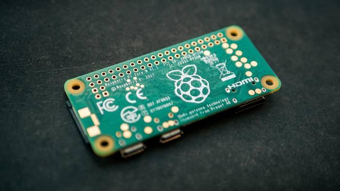 Маленький Raspberry Pi - отличный компьютер для несложных задач