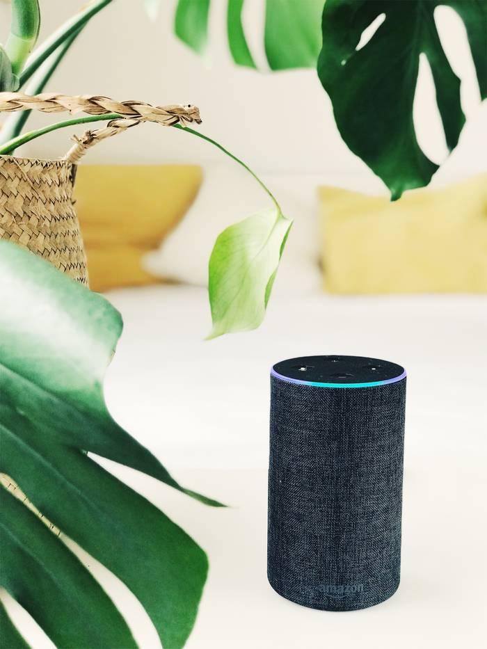 Умный динамик Amazon Echo. Будет отличным собеседником