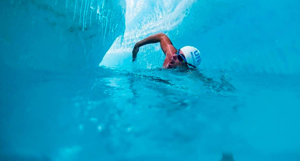 Британец проплыл под ледником Антарктики, протестуя против глобального потепления