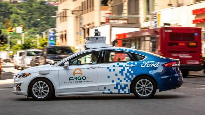 Argo AI. Компания, оснащающая такси автопилотами