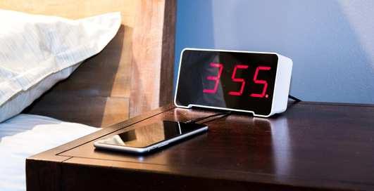 Как самостоятельно сделать настольные часы с электронным циферблатом
