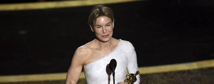 Рене Зеллвегер поулчила звание лучшей актрисы