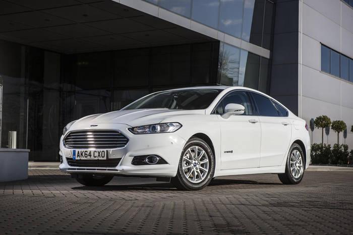 Ford Mondeo Hybrid - 2015. Стоил на €1600 дороже аналога с ДВС